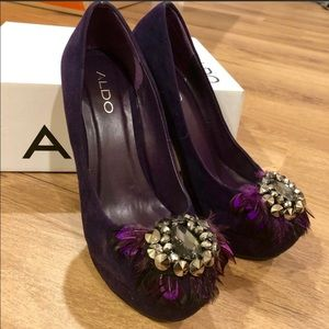 GORGEOUS Aldo platform heels with bouch!